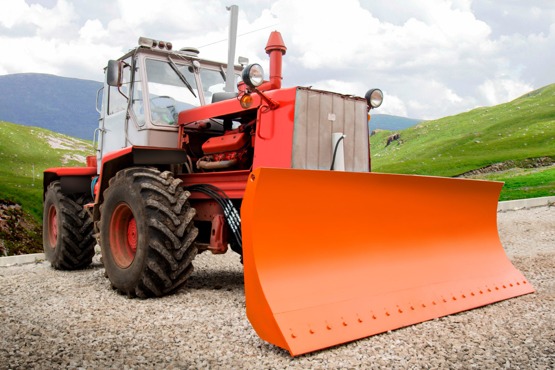 Отвал бульдозерный гидроповоротный к трактору ХТЗ-150