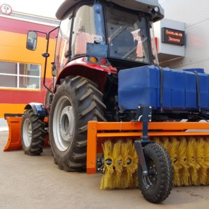Видео! Отвал и коммунальная щетка на трактор ULAN-RT 604 (YTO 604)